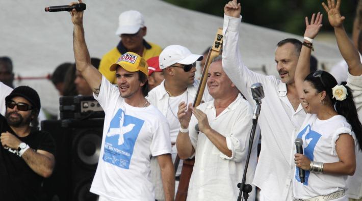Juanes y Miguel Bosé planean concierto 'Paz Sin Fronteras' en Venezuela