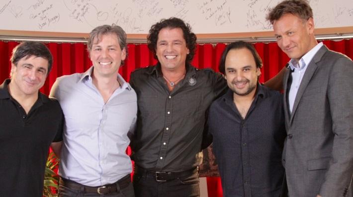 Carlos Vives firmó nuevamente contrato con Sony Music