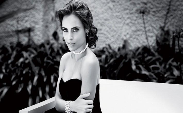 Sara Corrales es la nueva portada de la Revista ALÓ