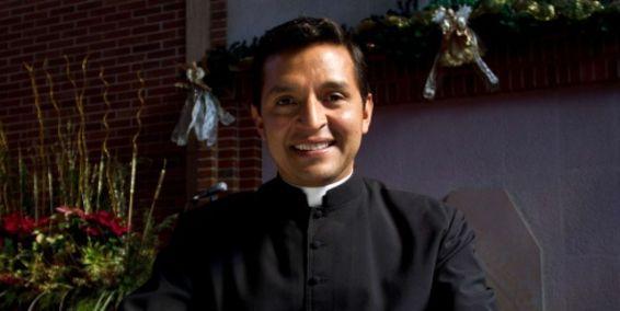 Padre Chucho sería participante del Desafío 2013