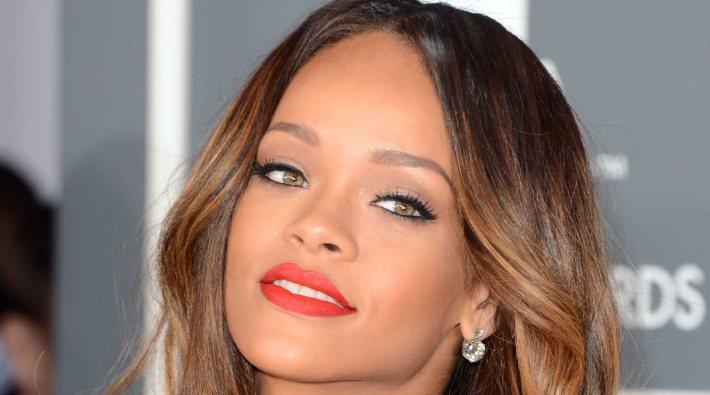 Rihanna cancela concierto por problemas de salud