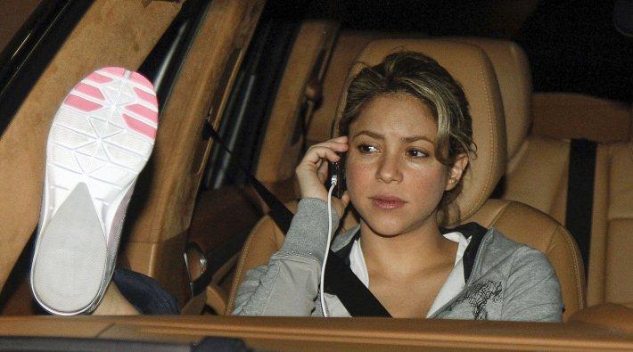 Shakira acusa a Antonio De la Rúa de robarle 3 millones de dólares