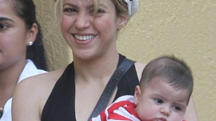 Shakira y su hijo Milan visitan a Piqué durante entrenamiento en Miami