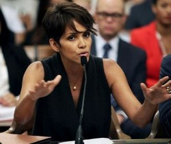 La actriz Halle Berry apoya ley contra paparazzis en Estados Unidos