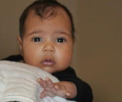 Kim Kardashian publica la primera foto de su hija North West