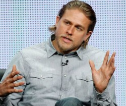 Charlie Hunnam no será Christian Grey en '50 sombras de Grey'