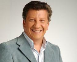 Hernan Orjuela presenta el nuevo programa 'Música Viva' del Canal UNO