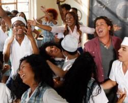 Carlos Vives presentó su nueva canción 'El Mar de sus ojos' con ChocQuibTown