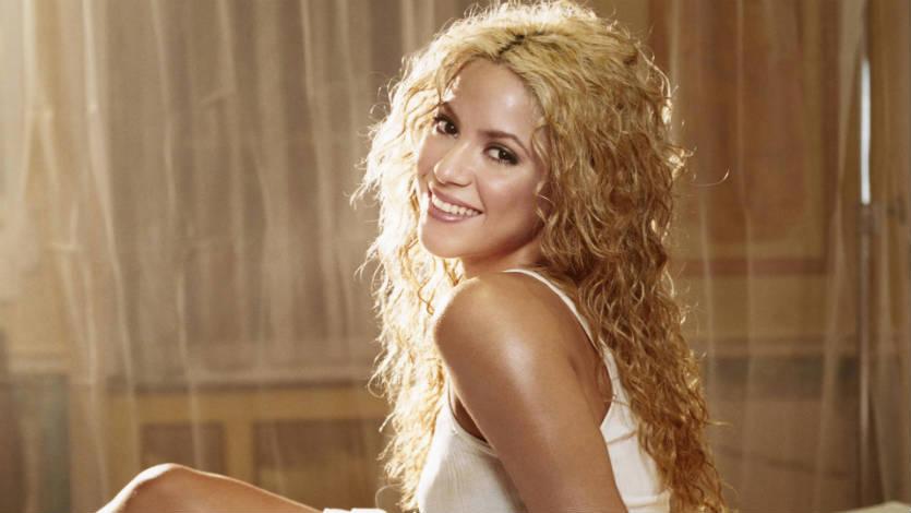 Shakira ser a la pr xima portada de la revista playboy for Chimentos de la farandula