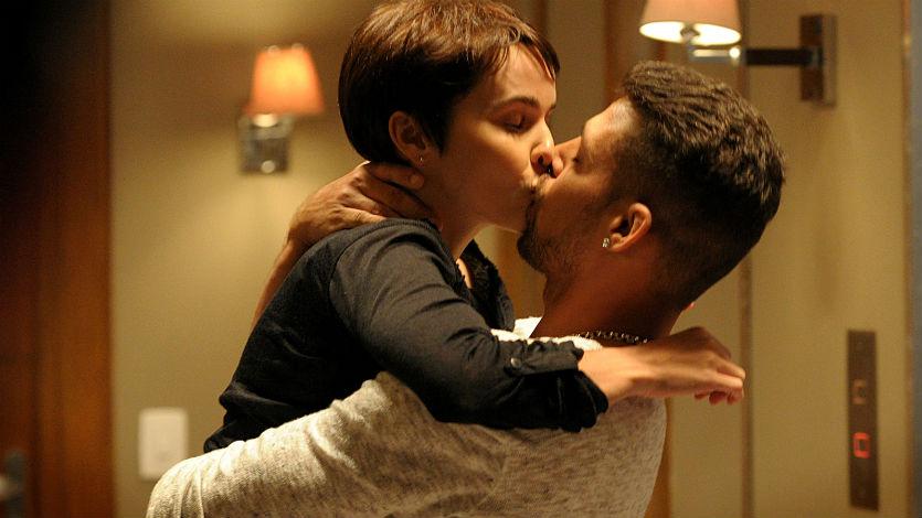 Canal RCN anuncia fecha del final de la novela 'Avenida Brasil'