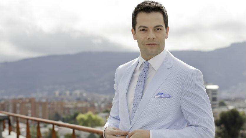 Iván Lalinde es el presentador de Locos Por La Tele