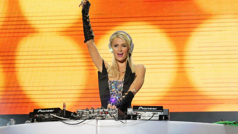 París Hilton cancela rueda de prensa por disgusto con la WRadio