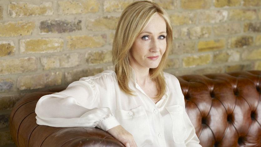 Autora de Harry Potter trabaja en los guiones de tres filmes