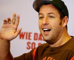 Adam Sandler es contratato por Netflix para producir cuatro películas