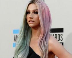 La cantante Kesha denunció a su productor por abuso y agresión