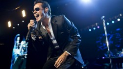 Marc Anthony y Vives cantan en vivo 'Cuando nos volvámos a encontrar'