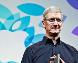 Tim Cook, director ejecutivo de Apple, hace pública su homosexualidad