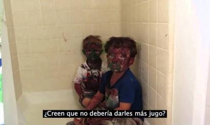Video: Padre regaña a niños pintados