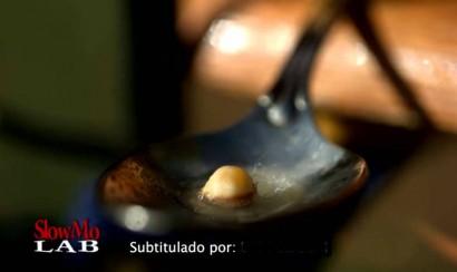 Video: Transformación de un grano de maíz en una palomita en cámara lenta