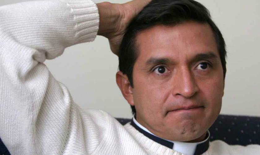 Padre Chucho: Laura Acuña y Jota Mario son como Judas