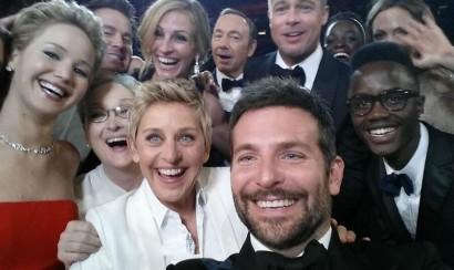 Selfie de Ellen DeGeneres en los Oscar fue elegida como el 'tuit del año'