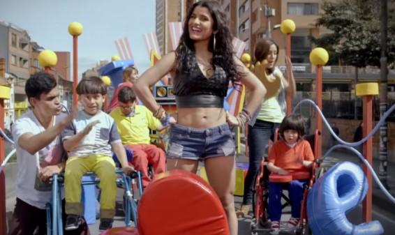 Martina La Peligrosa canta el himno de la Teletón Colombia 2015