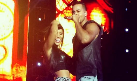 Rosa Caiafa bailó junto a Romeo Santos durante un concierto
