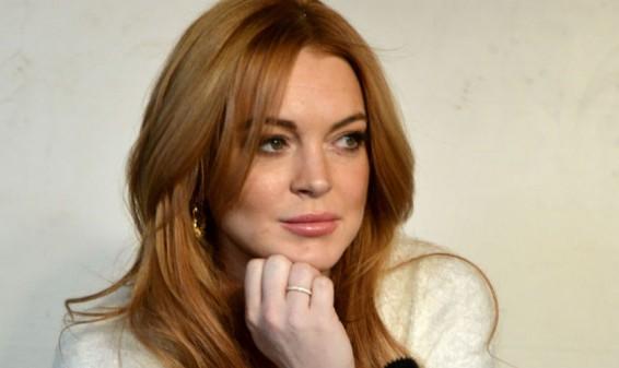 Lindsay Lohan condenada a más horas de trabajos comunitarios