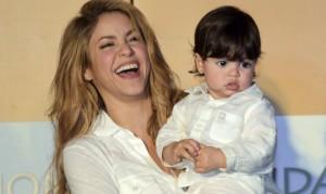 Mira el video donde Shakira le enseña a leer a su hijo Milan