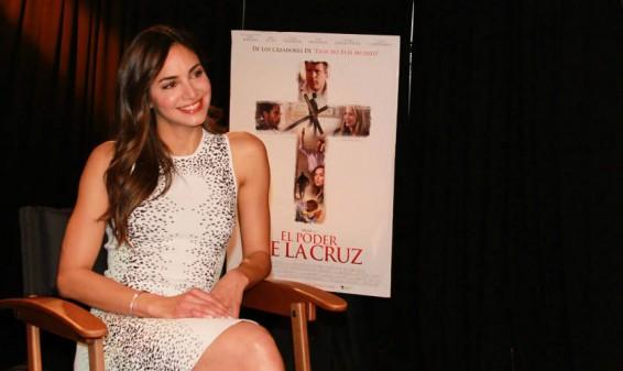 Valerie Domínguez llega a hollywood con la película 'El Poder de la Cruz'