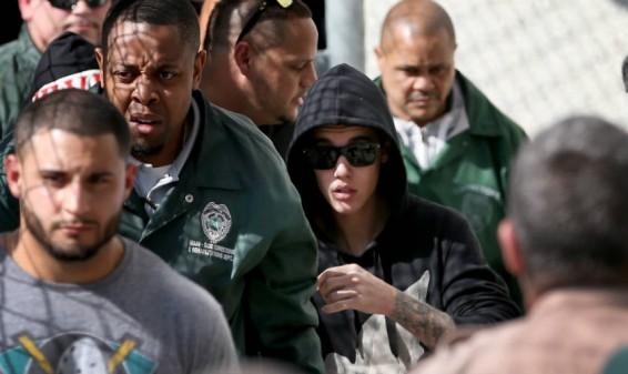 Justicia Argentina pide a Interpol el arresto de Justin Bieber