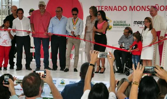 El cantante Marc Anthony inaugura orfanato en Barranquilla