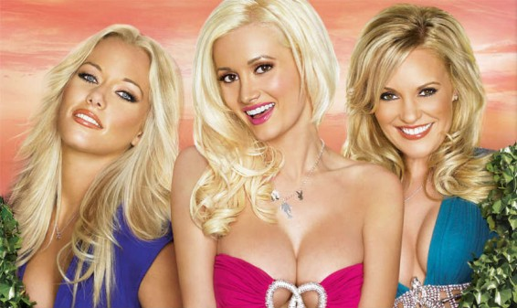 Batalla verbal entre ex-conejitas Kendra Wilkinson y Holly Madison