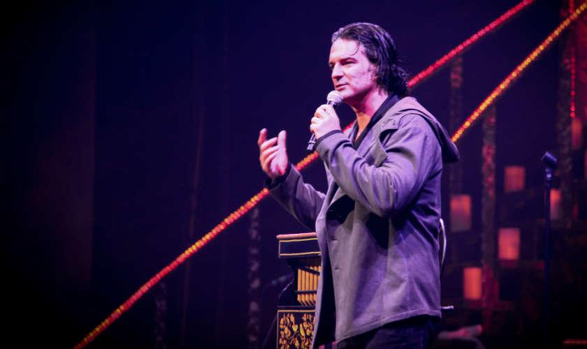 Poléminca por cancelación de conciertos de Ricardo Arjona