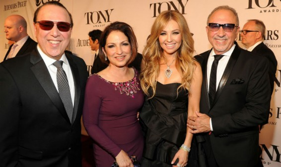 Emilio Estefan presenta la canción 'We're all Mexicans'