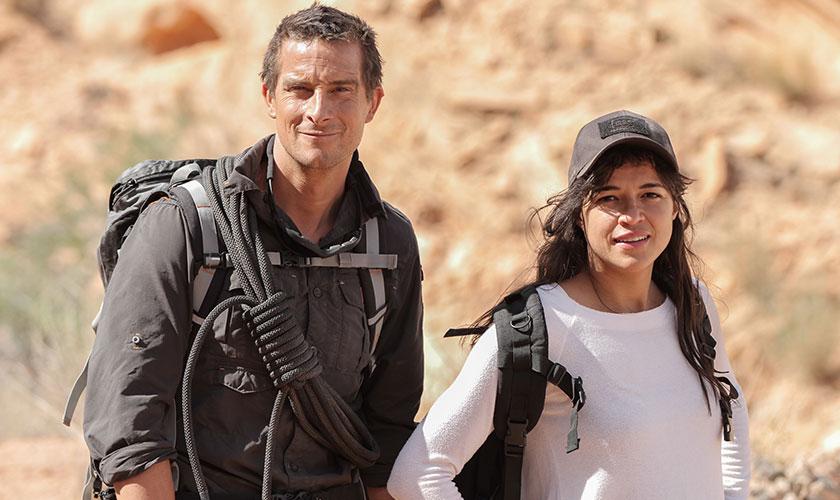 Michelle Rodríguez emprende aventura con Bears Grylls