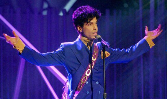 Falleció a los 57 años el cantante Prince, ícono de la música pop
