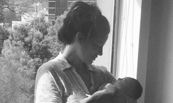 La actriz Manuela González da la bienvenida a su primogénito