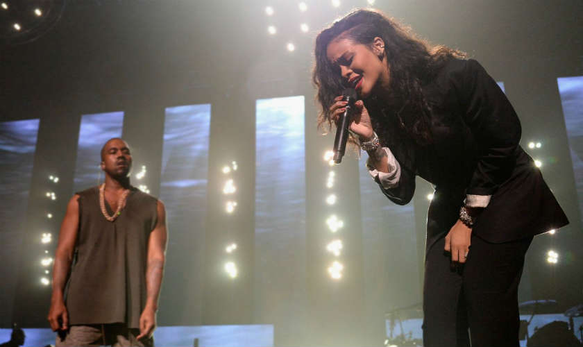Video: Rihanna llora en medio de un concierto