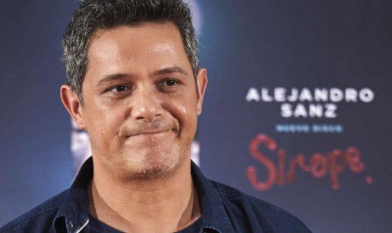 Transexual asegura que el cantante Alejandro Sanz es bisexual
