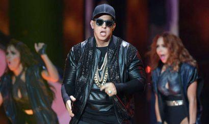 Video: Shaky Shaky Daddy Yankee Premios Tu Mundo