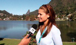 Video: Melissa Martínez se cae en vivo y en directo - Entretengo.com