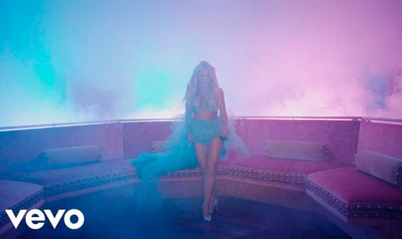Britney Spears presenta el video de su canción 'Slumber Party' con Tinashe