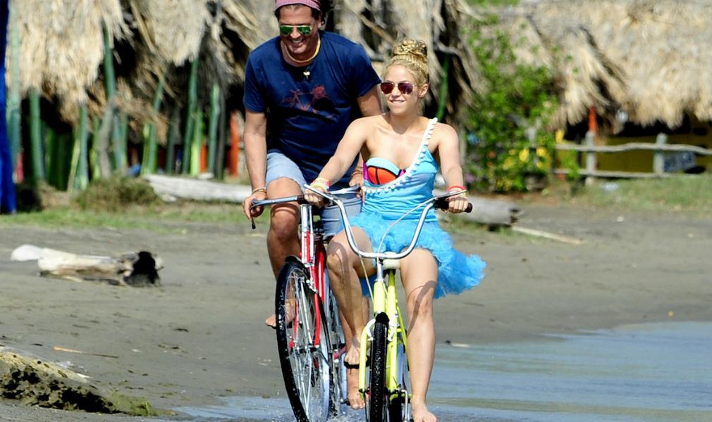 Shakira y Carlos Vives, son demandados por plagio en su canción 'La Bicicleta' - Entretengo