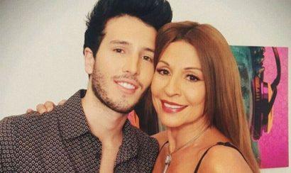 Amparo Grisales y Sebastian Yatra se besan en Yo me llamo - Entretengo