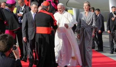 Vestido de Tutina de Santos en la llegada del Papa Francisco - Entretengo