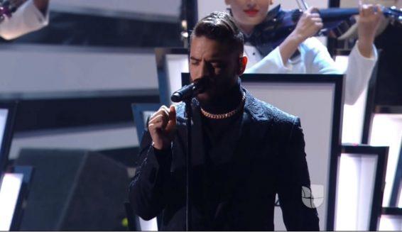 Critican a Maluma por su presentación en los Grammy Latino 2017