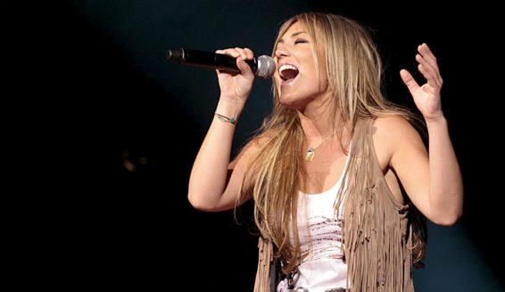 Amaia Montero presenta el video de la canción 'Nacidos para creer'.