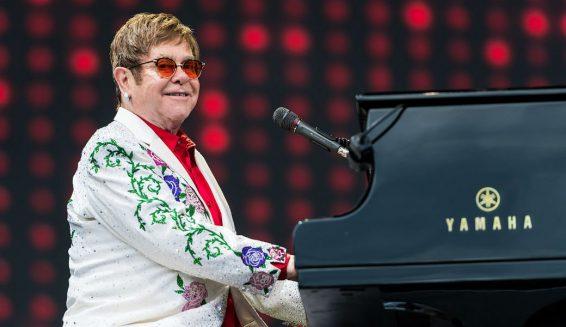 Elton John anuncia su retiro de los escenarios musicales