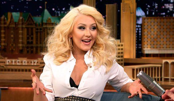 Christina Aguilera anuncia nuevo disco de forma particular